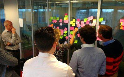 Wie faciliteert interactieve sessies in het project bij jou?